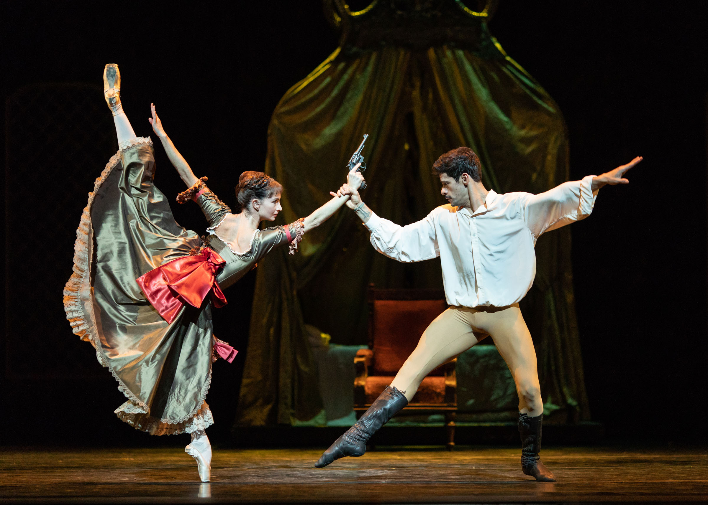 Lauren Cuthbertson and Thiago Soares in Mayerling at the Royal Opera House