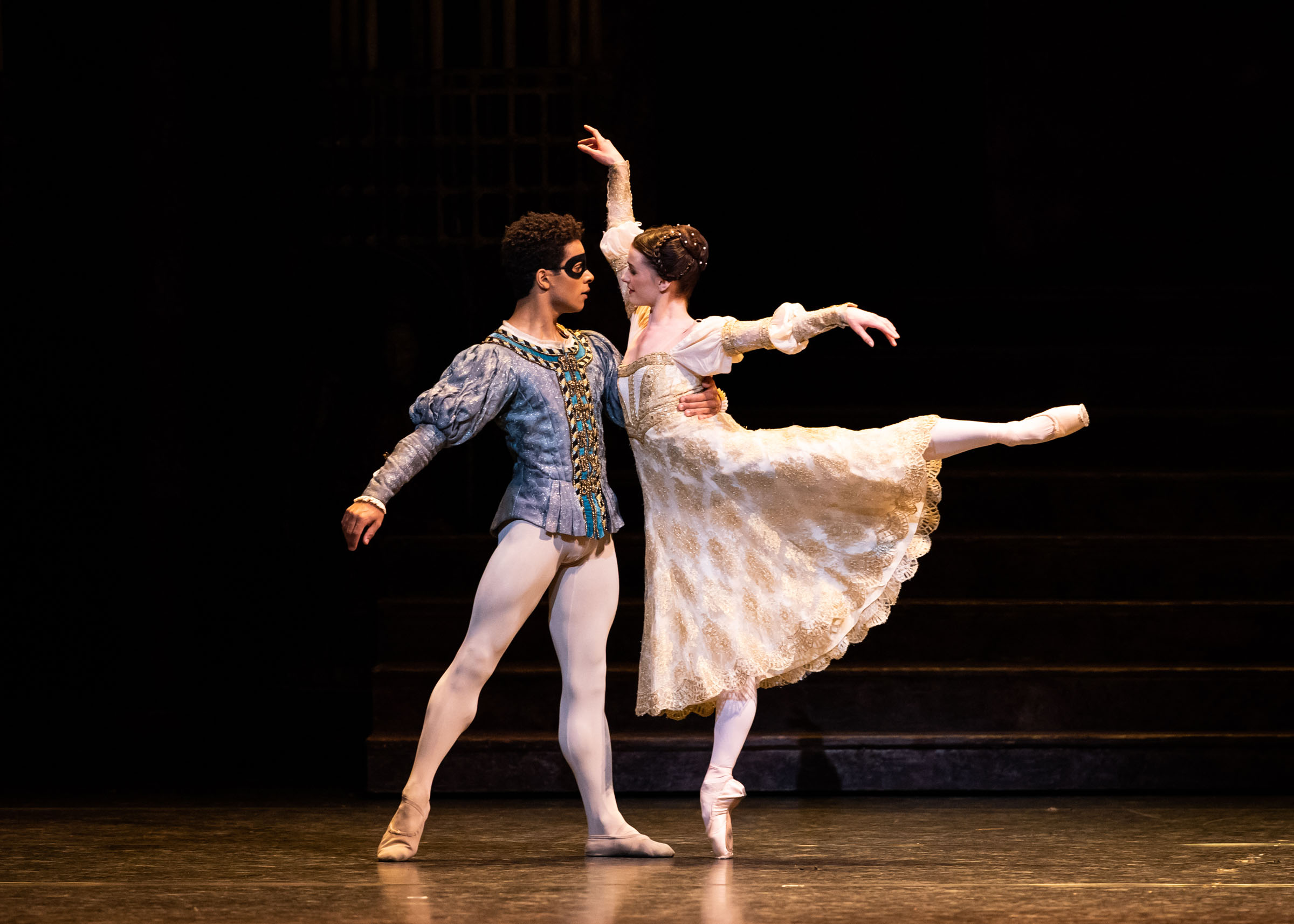 Marcelino Sambé as Romeo and Anna Rose O'Sullivan as Juliet in Kenneth MacMillan's production of Romeo and Julie
