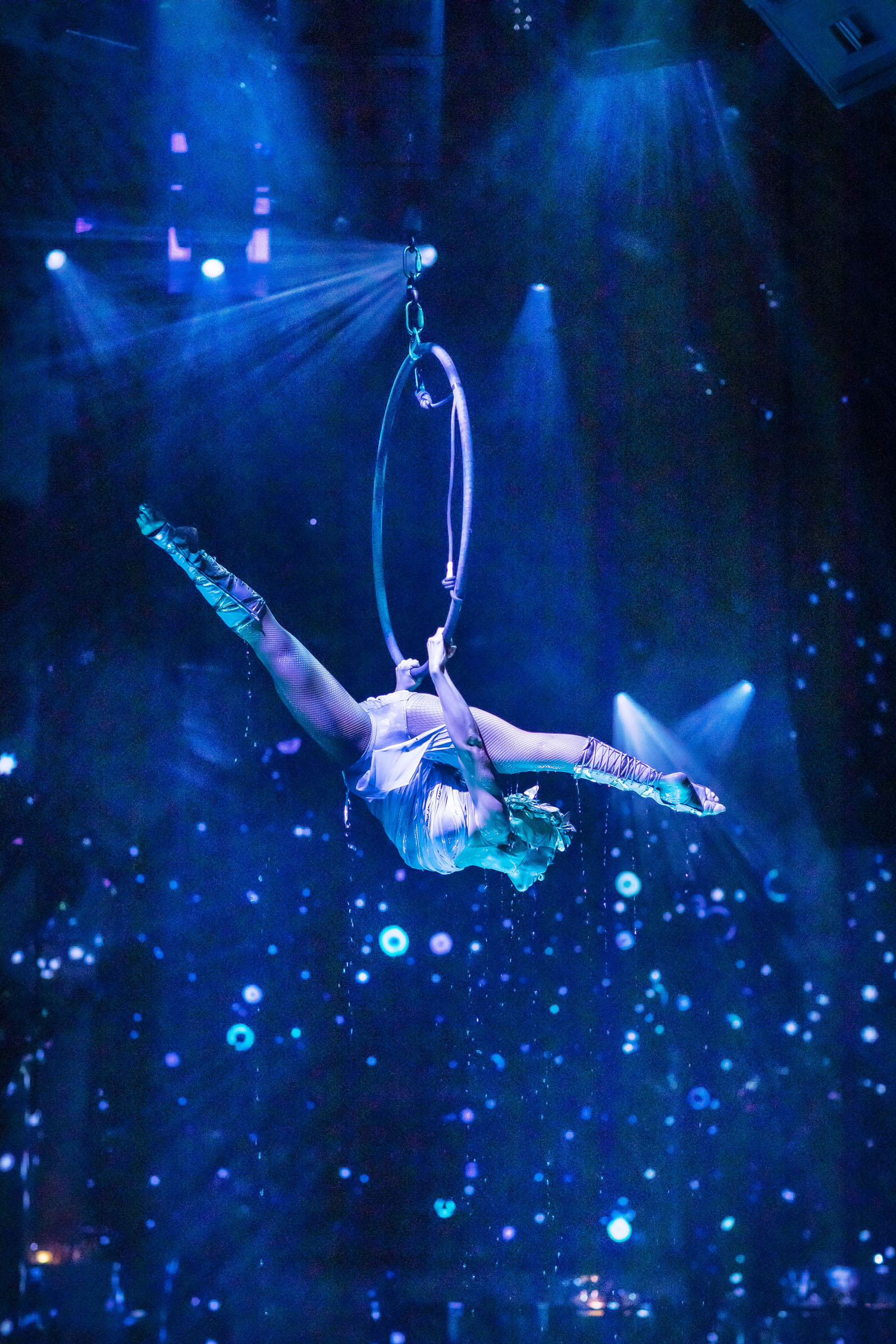 Elin Andersson (Bella) on the Trapeze at 'Mamma Mia! The Party'