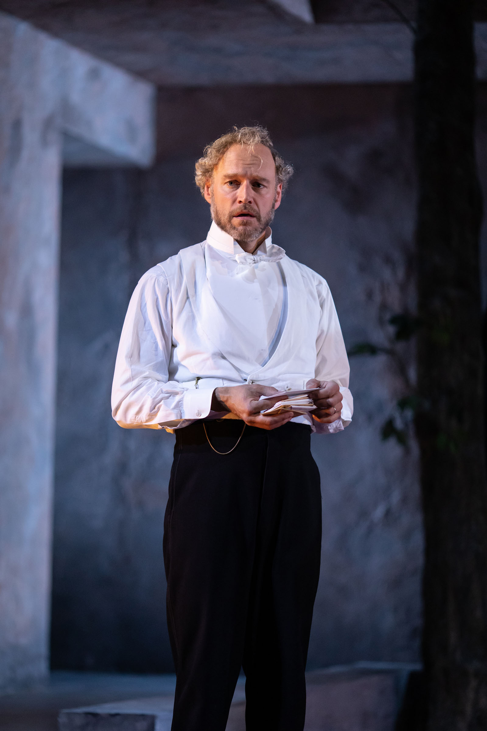 Elliot Cowan (Tom Helmer) in 'A Doll's House' at the Lyric Hammersmith