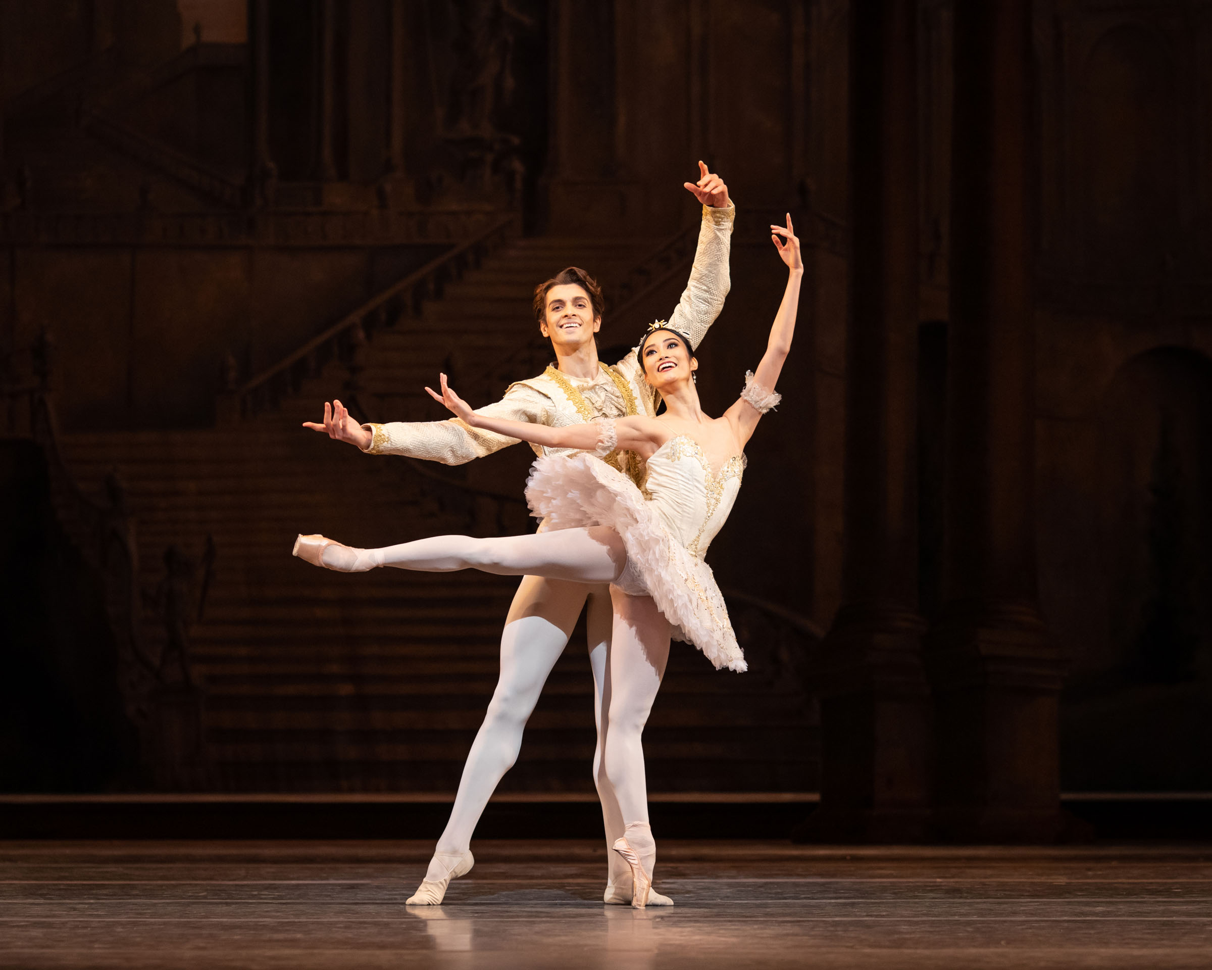 Reece Clarke as Prince Florimund and Fumi Kaneko as Princess Aurora in The Sleeping Beauty