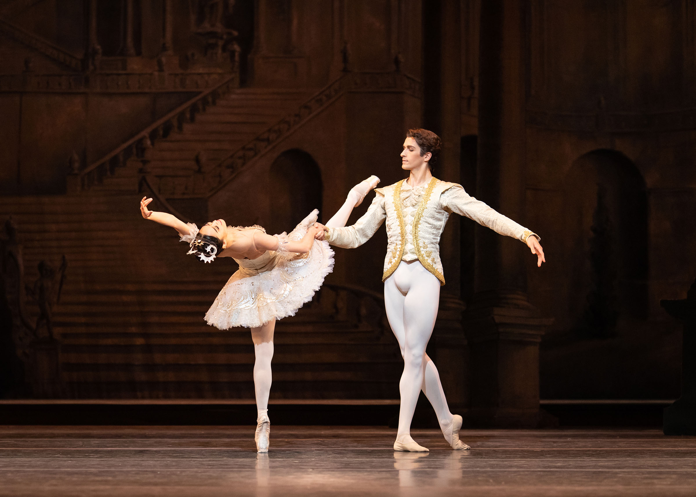 Fumi Kaneko as Princess Aurora and Reece Clarke as Prince Florimund in The Sleeping Beauty