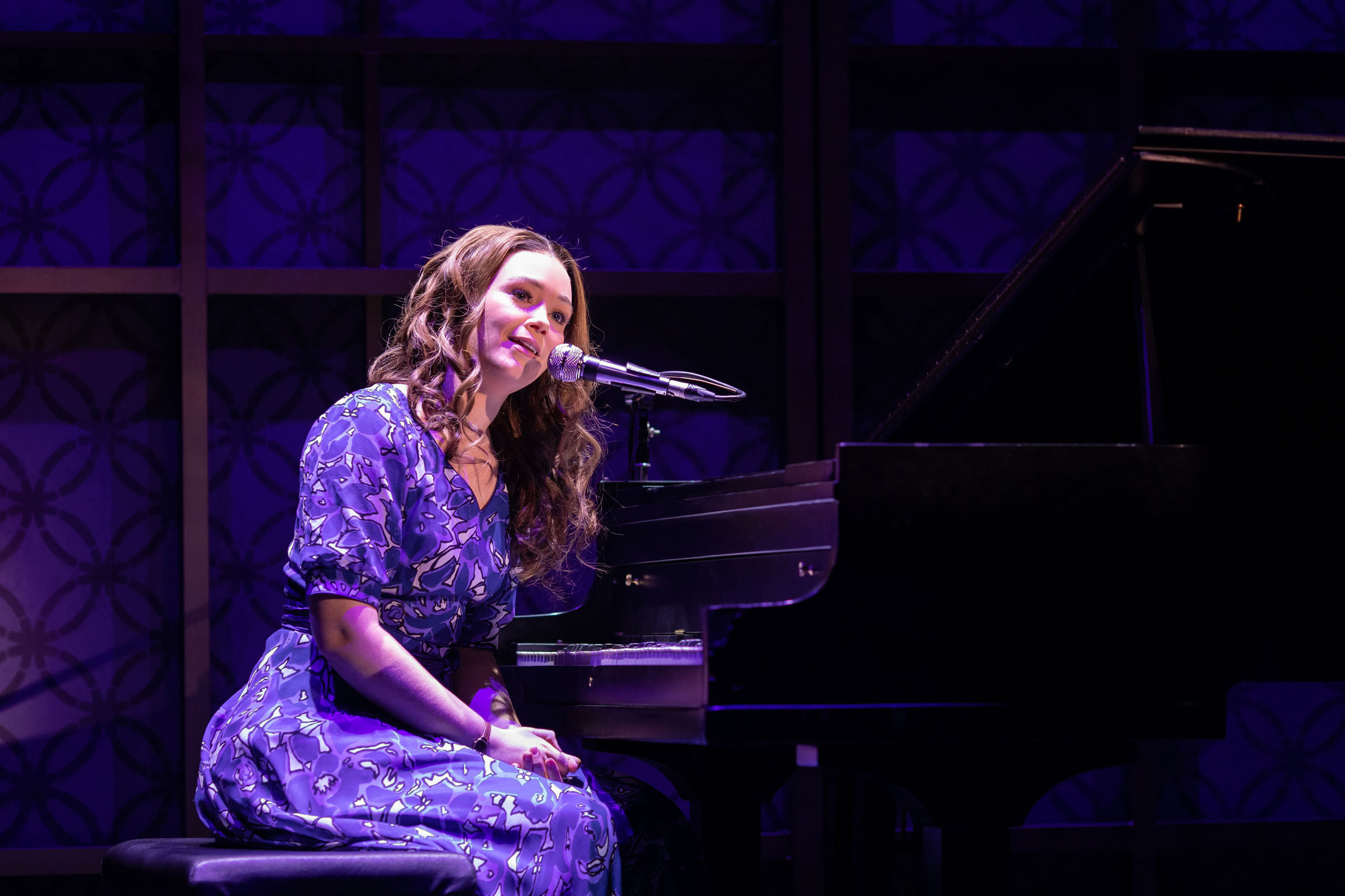 Production photography of Beautiful - The Carole King Musical Copyright Helen Maybanks 2020