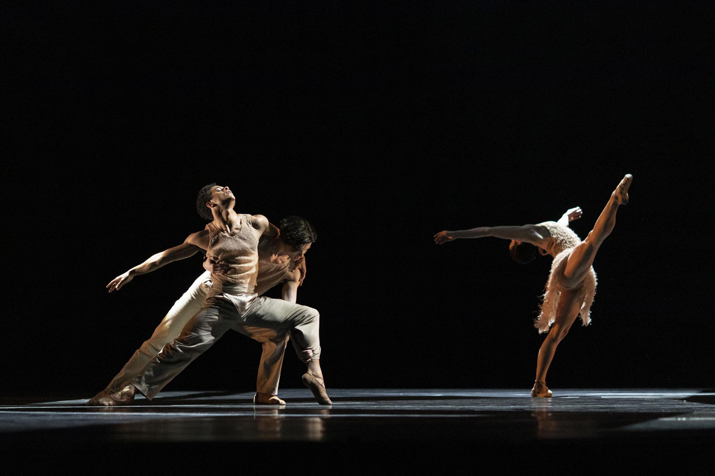 Marcelino Sambé, Stanisław Węgrzyn and Natalia Osipova in 21st 'Century Choreographers - Optional Family: a divertissement'