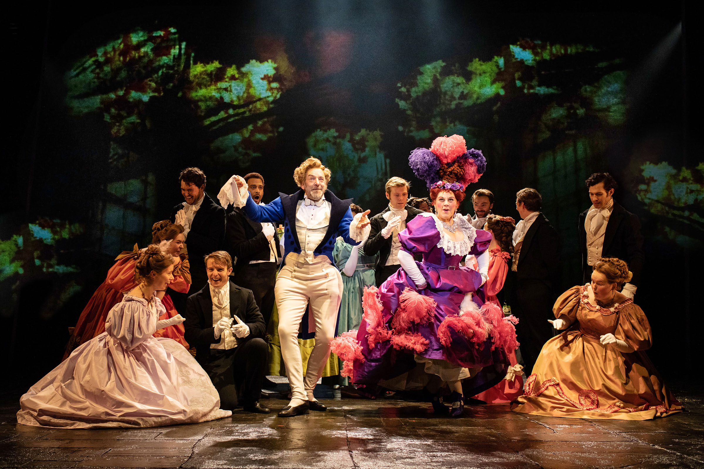 Martin Ball as Thernardier and Sophie Louise Dann as Madame Thernadier with the cast of the Les Misérables UK and Ireland Tour