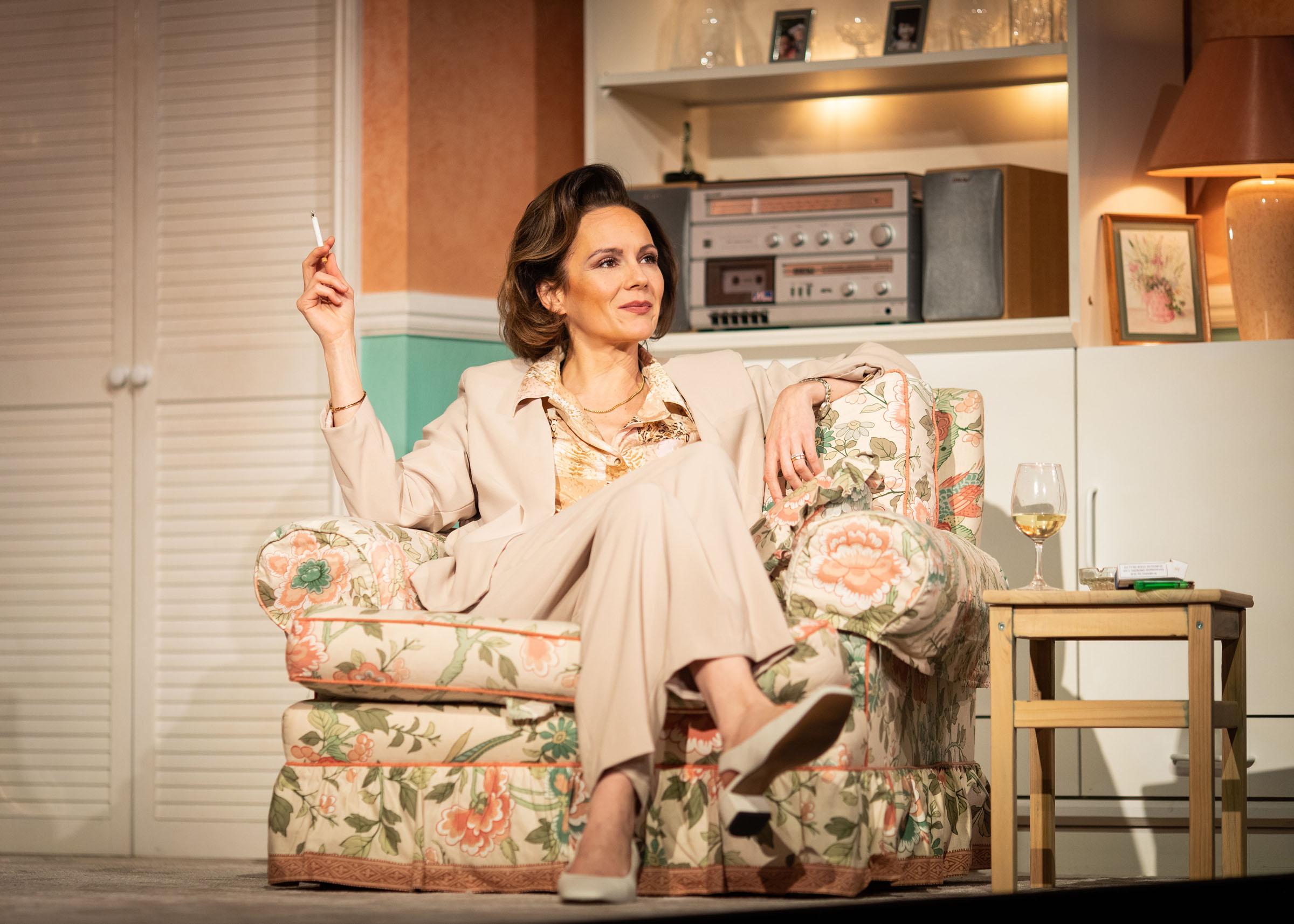 Rachael Stirling (Sandra) in Love Love Love